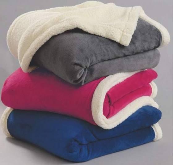 Nous avons besoin de couvertures et autres....